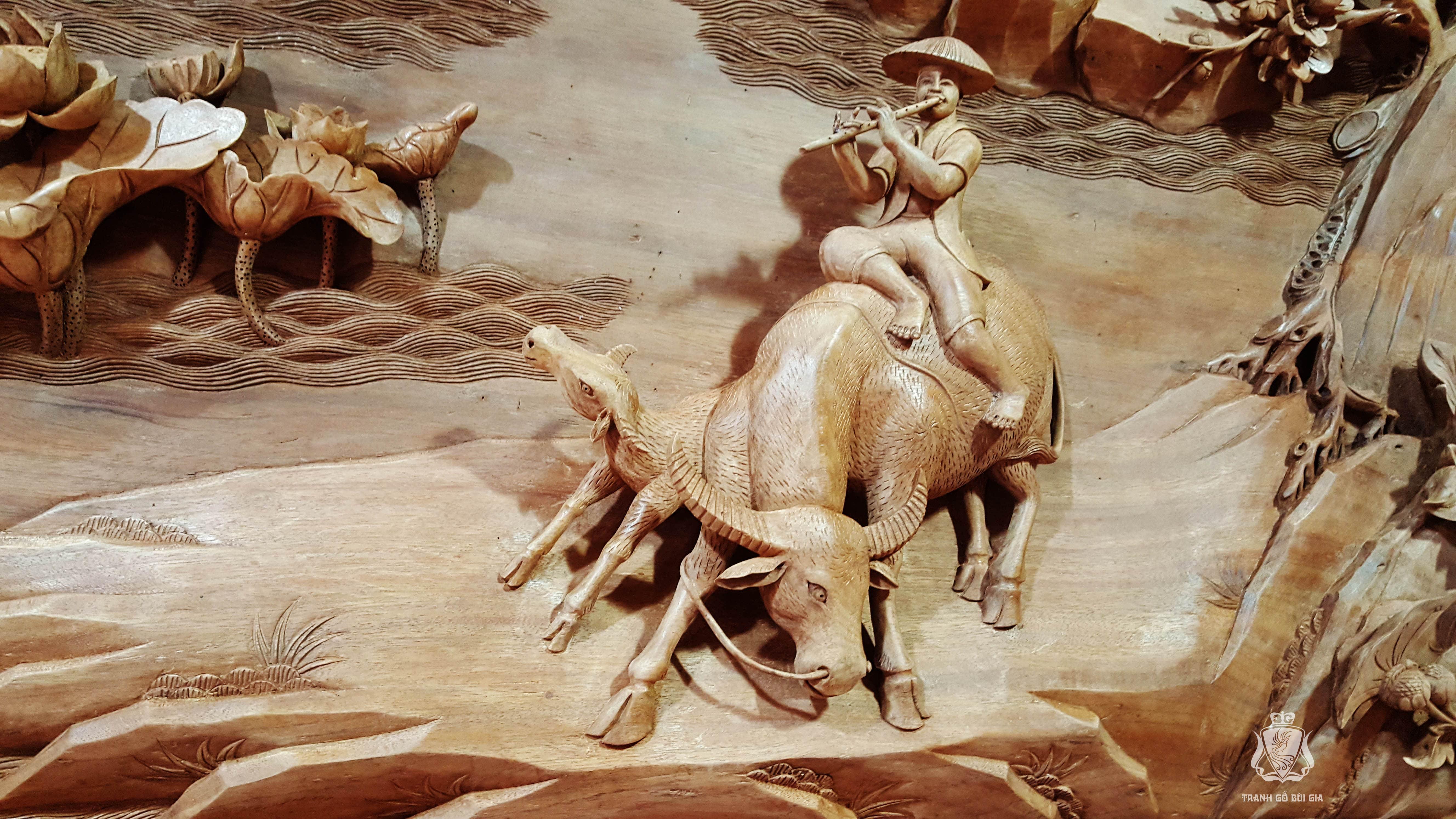 Tranh gỗ Đồng Quê đục tay sắc nét. Phôi Gỗ Gụ 100 năm tuổi.